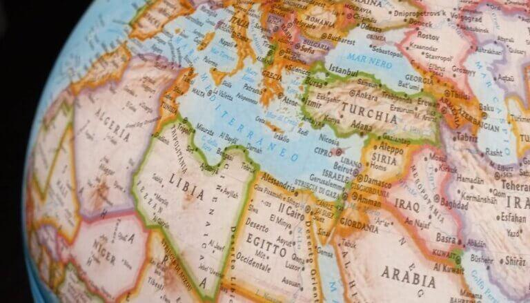 Read more about the article Ad un mese dal caso Ever Given. L'Italia, il Mediterraneo, Suez